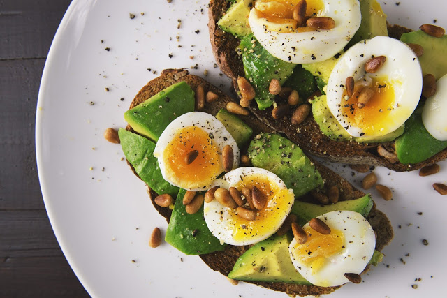 avocado on toast clean eating
